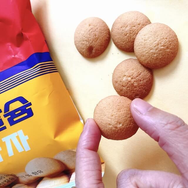 韓国コンビニ_韓国なう_コンビニお菓子_ロケットボーイ_コラボ_卵クッキー
